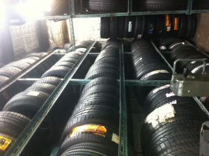 Tyre storage solution made from steel