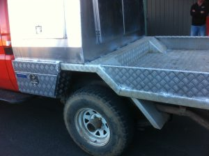 Checker plate steel ute tray